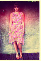 hot pink H&M dress - aquamarine vintage belt - bronze Torfs heels