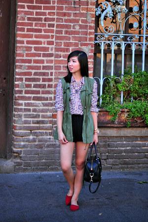 black brandy melville shorts - olive green PJK X Manrepeller vest