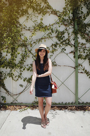 navy Tobi dress - burnt orange Mansur Gavriel bag
