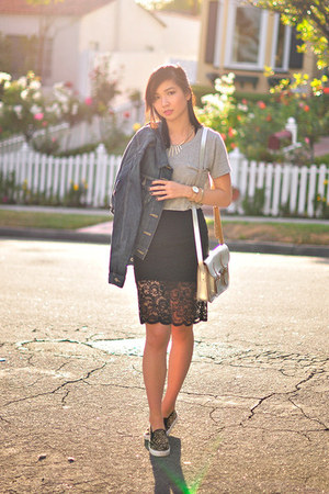 black scalloped lace style moi skirt - heather gray lace back Joa t-shirt
