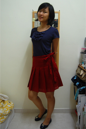 MNG blouse - Forever21 skirt - Vincci shoes