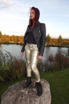 black gift boots - black spiked leather Softy jacket - black mim t-shirt