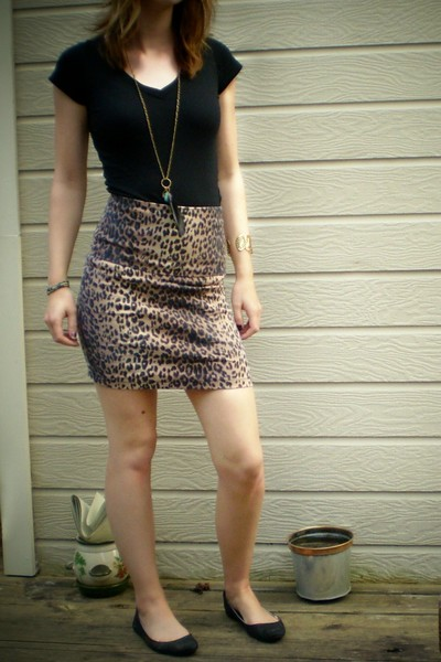 forever 21 skirt - forever 21 shirt - Fairy Tales are True - Claires necklace -