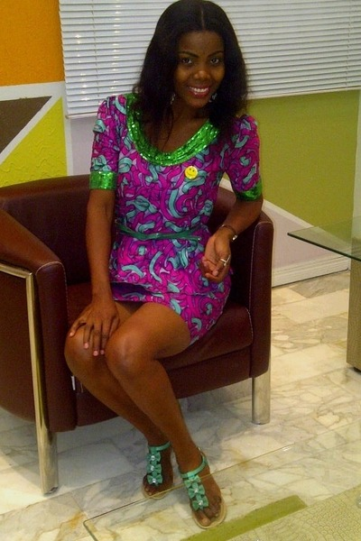 green Atmosphere sandals - peplum Ankara dress