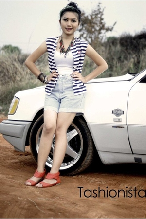 vest - top - jeans - shoes - accessories