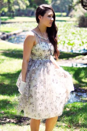 vintage dress - lace vintage gloves - Samantha Wills necklace