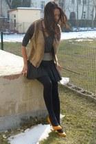 mustard leather Zara pumps - camel fauxfur vintage vest