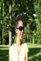 yellow cotton Mango t-shirt - black cotton H&M skirt