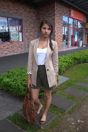 camel Zara blazer - dark brown Massimo Dutti bag - dark green Zara shorts - whit