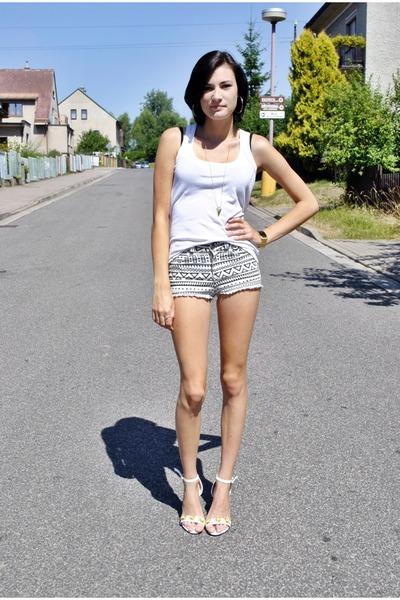 shorts shorts