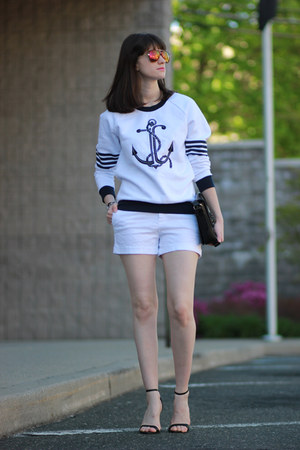 Zara shorts - Juicy Couture sweater - Juicy Couture sunglasses - Zara heels