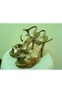 Gray-bugis-street-singapore-gold-accessories-gold-new-look-singapore-shoes-
