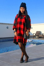 red plaid H&M sweater