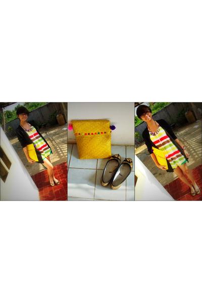chartreuse unbranded shorts - light yellow alun-alun bag