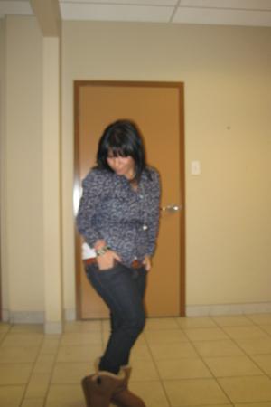 blue le chateau jeans - brown Ardene belt - blue Forever 21 blouse - white H&M t