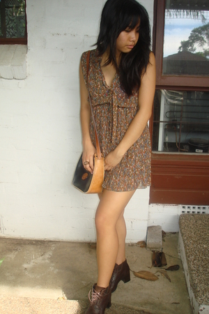 brown Vintage from Hobo dress - brown Salvation Army shoes - black vintage acces