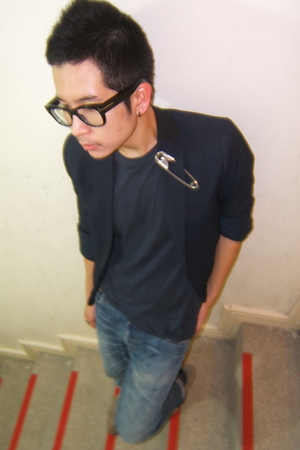 Techinmyself made blazer - t-shirt - vintage jeans - socks - vintage boots