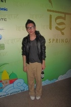 Vintage leather jacket - t-shirt - greyhound pants - dior homme high cut shoes -