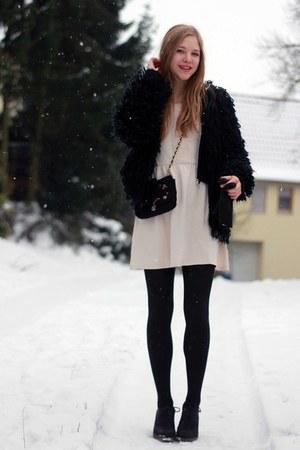 deichmann boots - hm dress - secondhand bag
