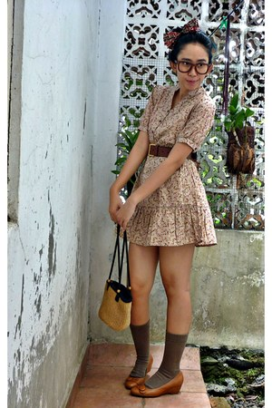 tan floral dress - traditional bag - light brown socks - ruby red leather belt
