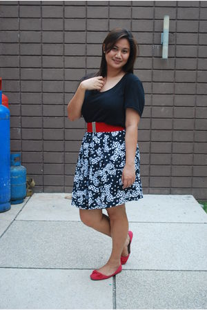 black Mango top - black thrifted skirt - red new look shoes