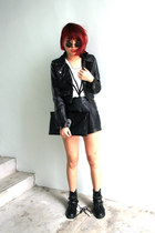 leather biker Nasty Gal jacket - studded boots - skull clutch purse