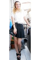 black no brand skirt