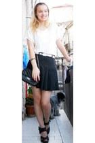 black no brand skirt