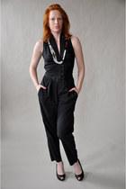black vintage jumper