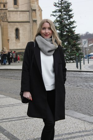 black Ebay coat - white Dressin sweatshirt