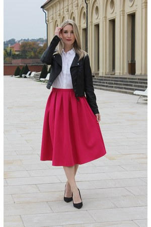 hot pink Missguided skirt