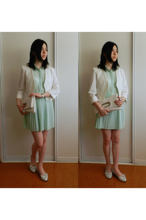 white blazer - aquamarine dress - white bag - silver flats
