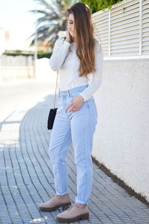light blue Stradivarius jeans