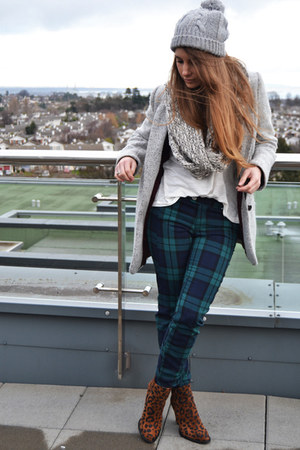 tawny Zara boots - heather gray pull&amp;bear coat - green Primark pants