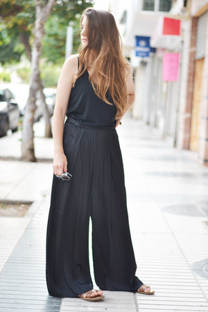 black Zara top