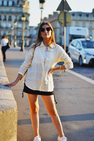 light yellow Uniqlo shirt - navy Zara skirt