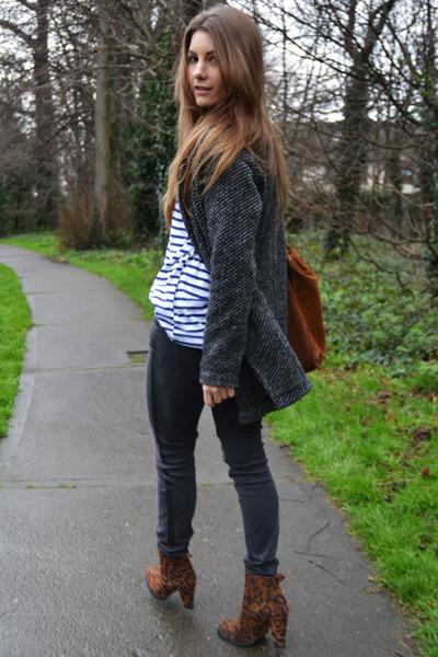 tawny Zara boots - gray pull&bear coat - blue Zara t-shirt