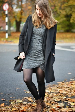 dark brown Bershka boots - navy Forever 21 coat