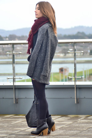 black pull&amp;bear boots - gray pull&amp;bear coat