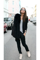 Zara sunglasses - Zara t-shirt - Zara pants - Zara Kids sneakers