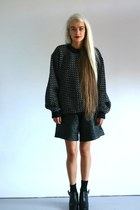 leather The VJA shorts - wool The VJA jumper