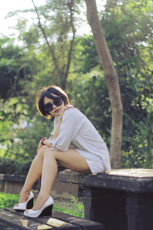 Haze shorts - rayban sunglasses - janilyn wedges - Dorothy Perkins blouse
