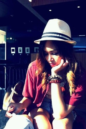 Fedora hat - vintage blouse