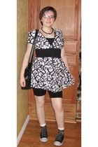 pink Mary Kay accessories - black City Buddha necklace - black Baltex top - whit