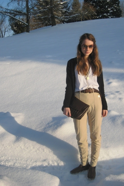 Nina Ricci sunglasses - t-shirt - belt - escada pants - accessories - Bally shoe