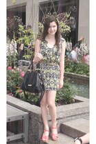 navy patterned 5th Outfitters dress - black leather Steve Madden bag