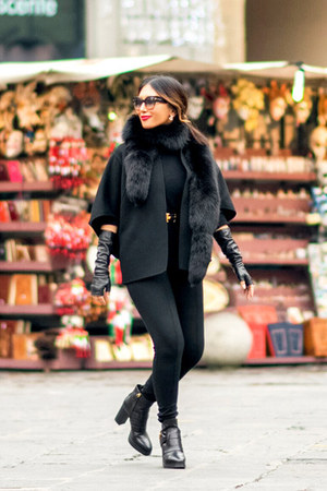 black Tods boots - dark brown Tom Ford sunglasses - black wool Michael Kors cape