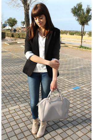 black H&M blazer - beige H&M boots - blue jennyfer jeans - cream Bershka sweater