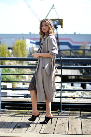 trench Zara coat
