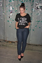 navy Cello jeans - black clothing swap t-shirt - black Anne Klein heels